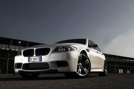 BMW M5-038