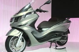 PiaggioX10-004