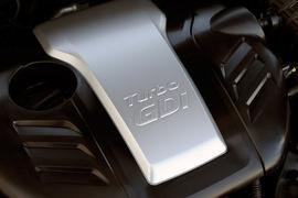 HyundaiVelosterTurboRed-005