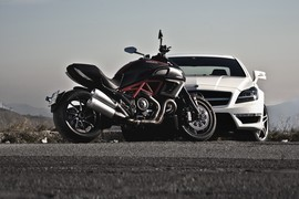 Red Live - Mercedes CLS V8 AMG Ducati Diavel - Statics and Details