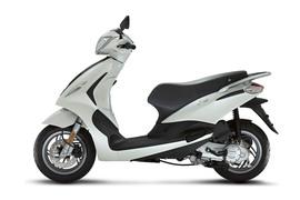 PiaggioFly50125-005