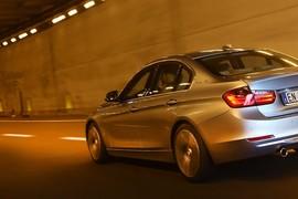 BMWActiveHybrid320120038_cover