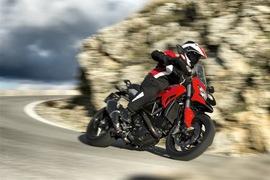 DucatiHyperstrada-011
