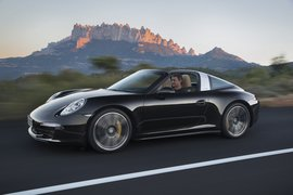 Porsche911Targa-apertura