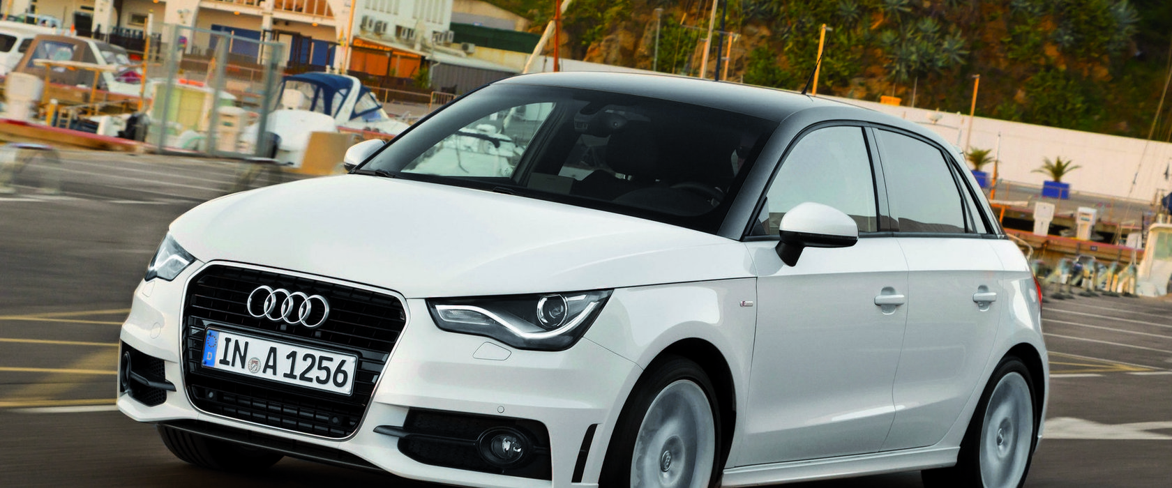 audi a1 sportback 1 6 tdi 90 cv s tronic red live. Black Bedroom Furniture Sets. Home Design Ideas