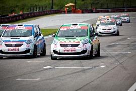 Autodromo di Franciacorta (BS). Gara automobilistica con le autovetture Kia Venga con impianto GPL realizzato dalla società BRC