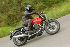 Moto Guzzi V7 2014--21