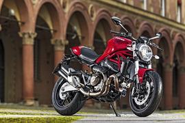 DucatiMonster821-001