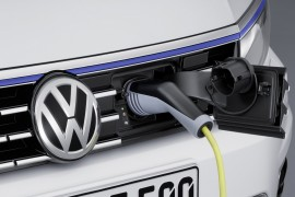 VolkswagenPassatGTE-apertura