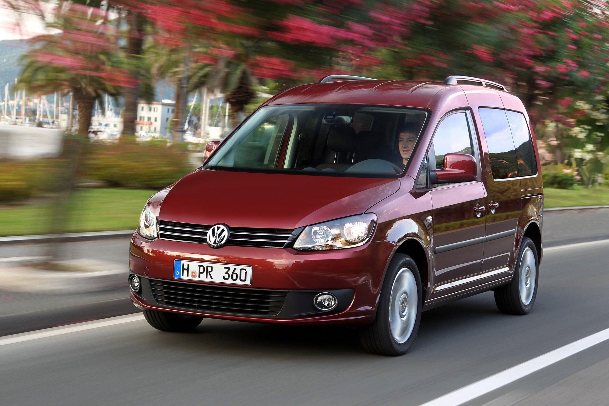 VolkswagenCaddy-001