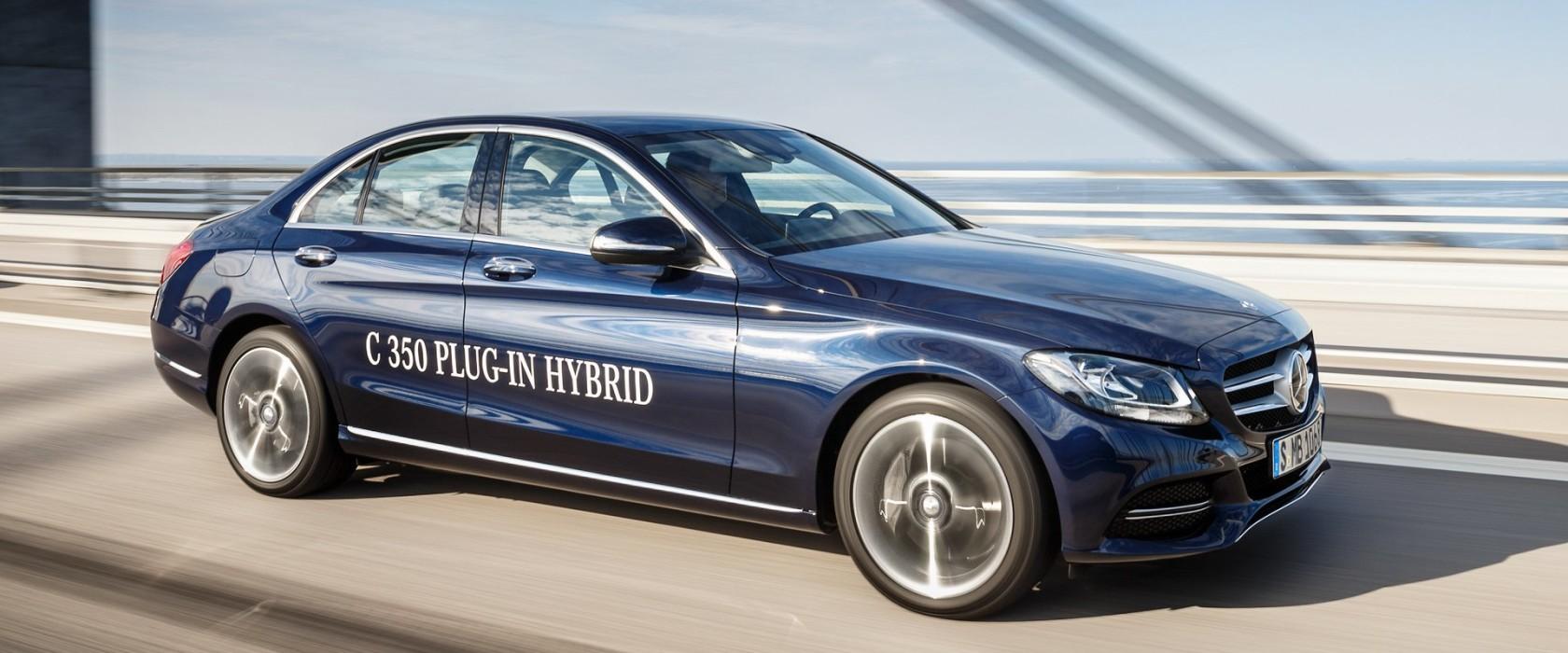 Mercedes benz c 350 plug in hybrid red live for Mercedes benz hybrids