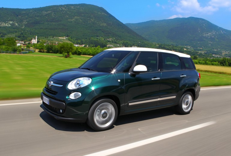 Fiat500LLiving-001