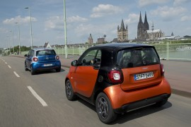smart fortwo 66 kW, bodypanels lava orange + smart forfour 66 kW ,bodypanels  midnight blue