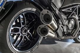DucatiDiavelCarbon2016-010