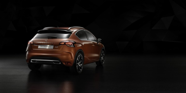 DS4Crossback-001
