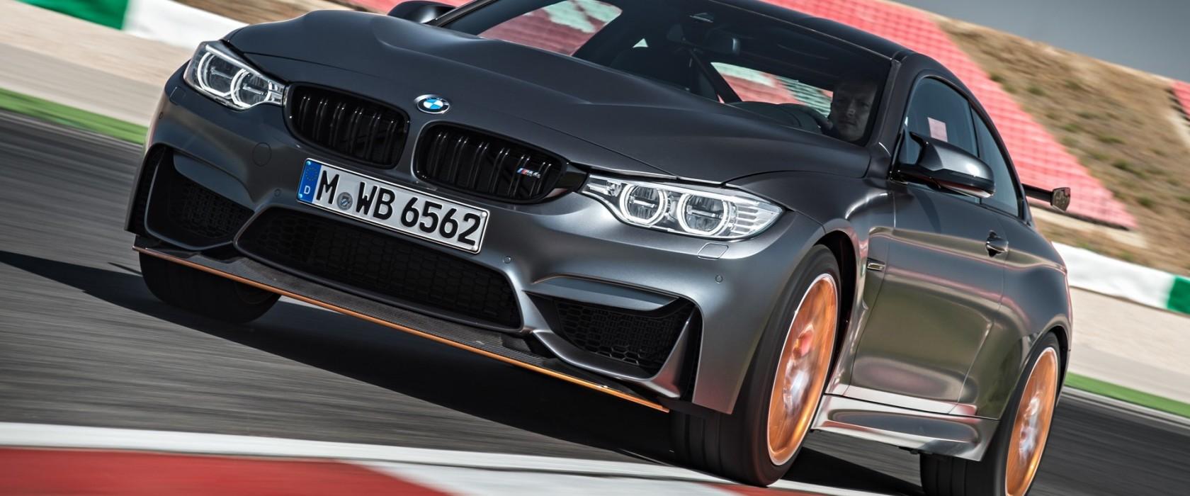 BMWM4GTS-apertura