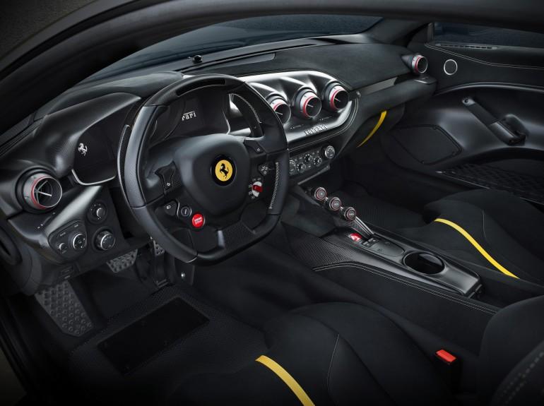 FerrariF12TDF-005