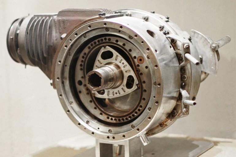 MotoreRotativoWankel-001