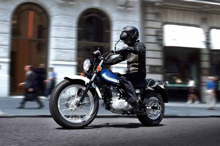 SuzukiVanVan200201600001