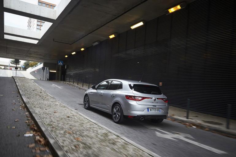RenaultMegane-005