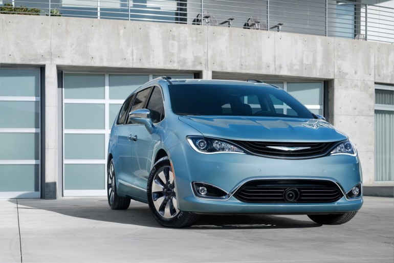 ChryslerPacifica-001