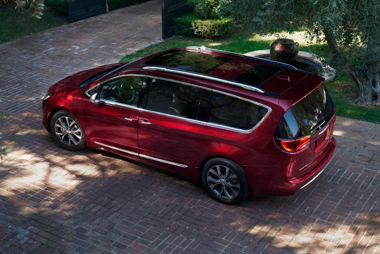 ChryslerPacifica-017