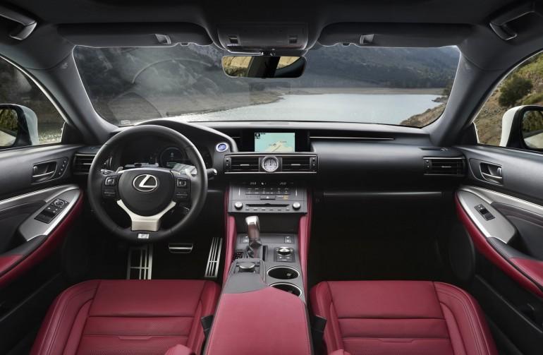 LexusRC300h-024