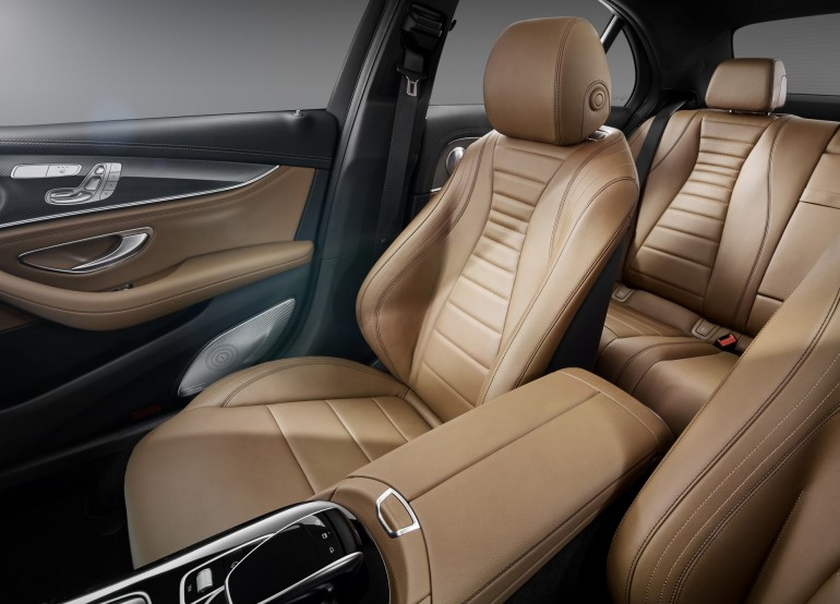 Interieur, Leder schwarz/sattelbraun Interior , leather black/saddle brown