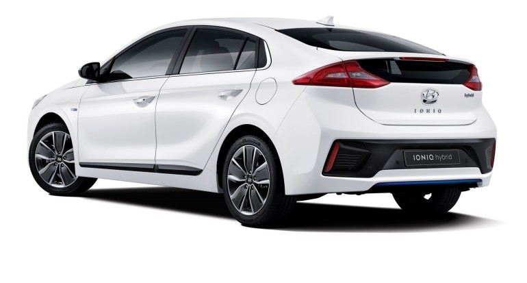 HyundaiIoniqHybrid-001