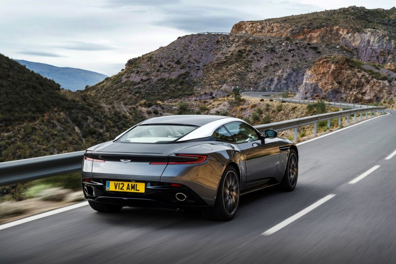 AstonMartinDB11-001