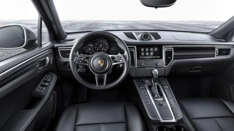PorscheMacan20Turbo-002