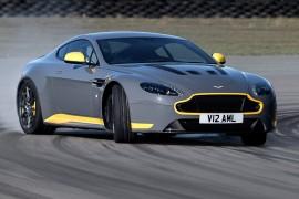 AstonMartinVantageV12S-apertura