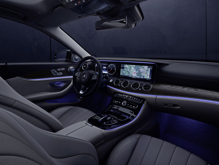 Interieur mit Ambientebeleuchtung Interior with ambience lightning