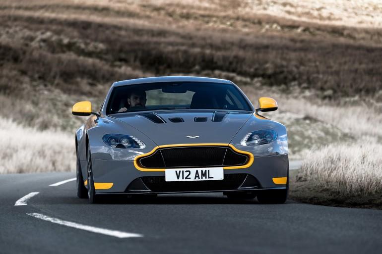 AstonMartinVantageV12S-011