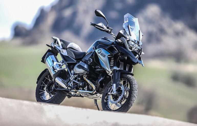 BMWR1200GSTripleBlack-014