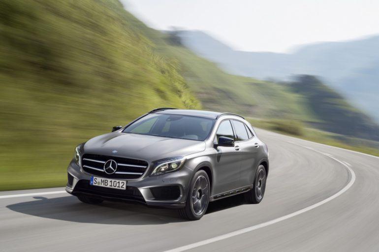 Mercedes-Benz GLA 250 4MATIC (X156) 2013, Lack: Designo Mountaingrau MAGNO, Ausstattung: AMG Line, AMG Exklusiv Paket, Leder Schwarz, Zierteil Aluminium