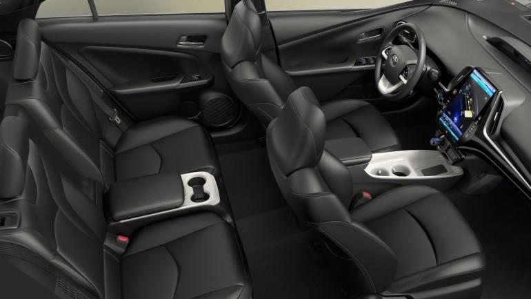 ToyotaPriusPrime-016