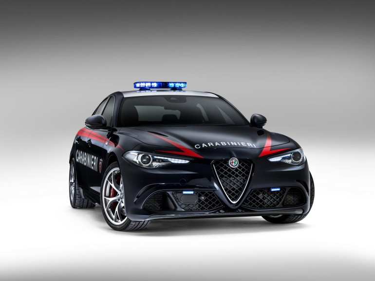 AlfaRomeoGiuliaCarabinieri-003