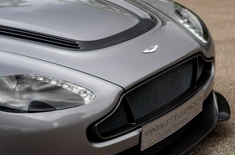 AstonMartinVantageGT12Roadster-004
