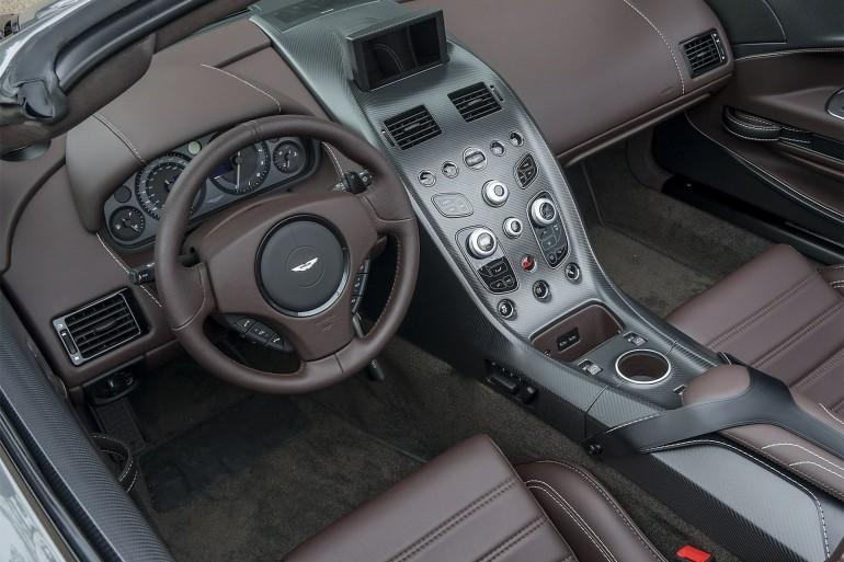 AstonMartinVantageGT12Roadster-005