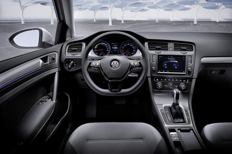 VolkswagenEGolf-007