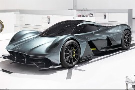 AstonMartin AM-RB 001-apertura