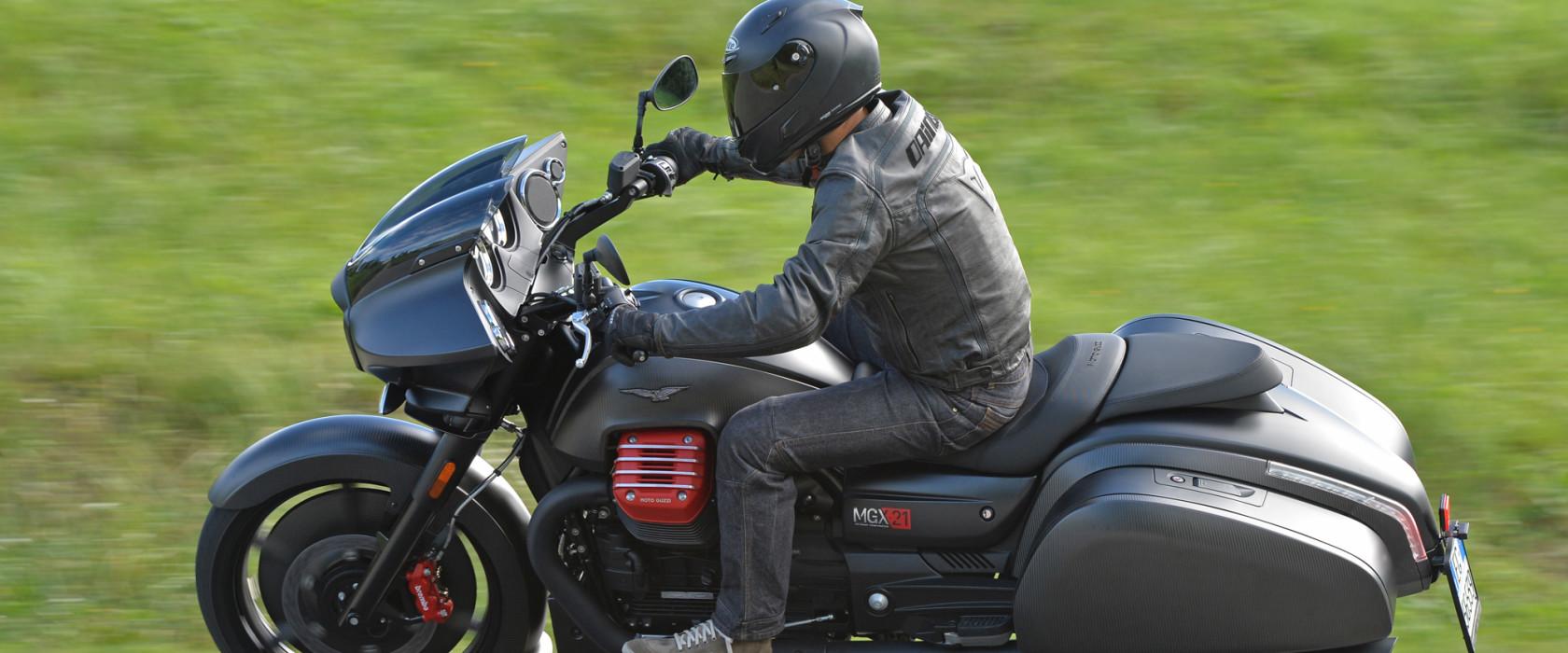 Moto Guzzi MGX21-17
