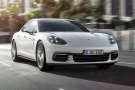 PorschePanamera4EHybrid-apertura