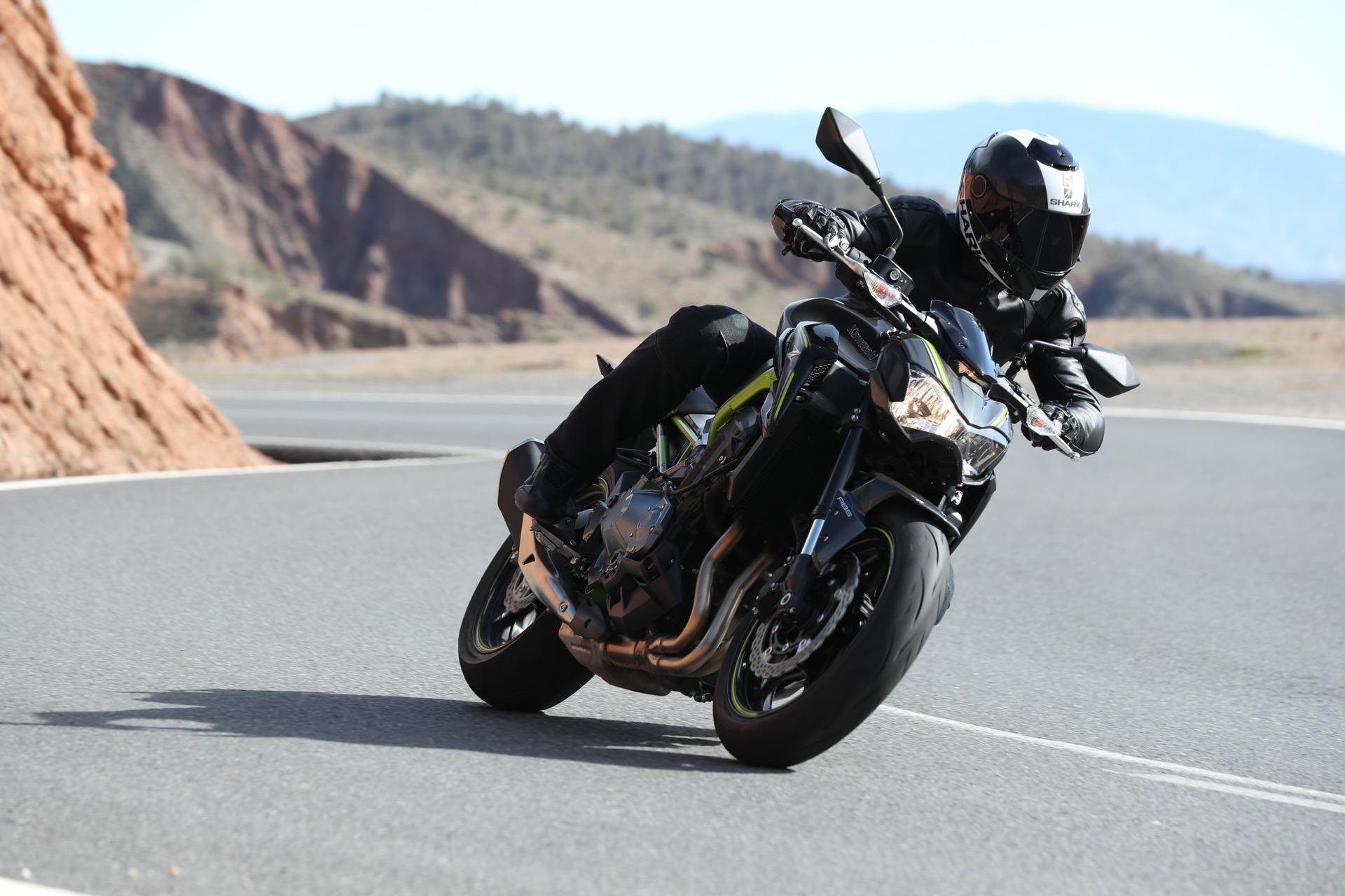 Prova Kawasaki Z900