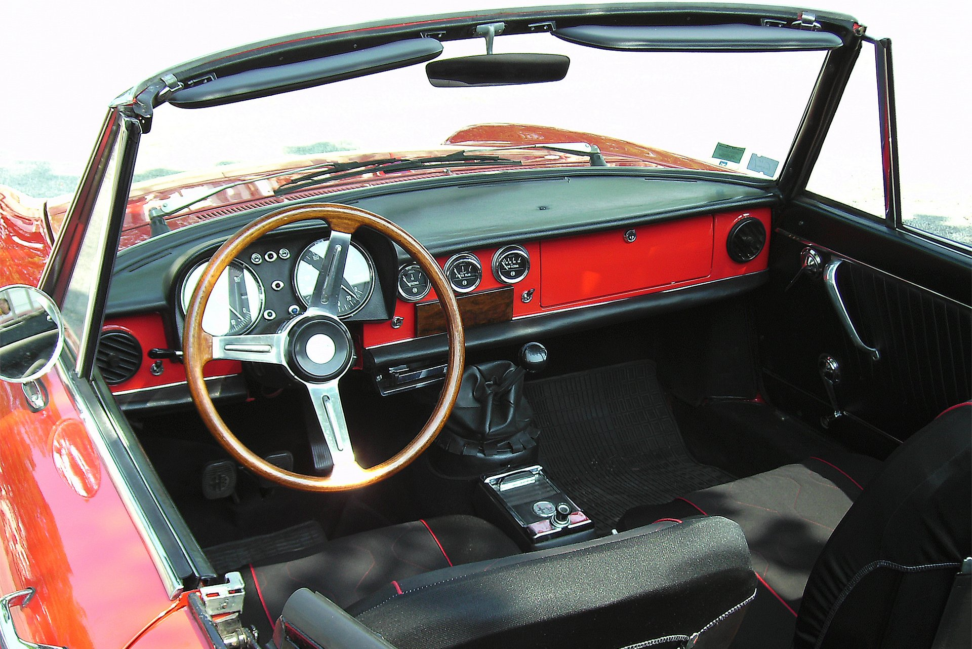 Wallpapers Widescreen Autos Deportivos as well P 0900c152800680c1 besides Guide D Achat Du Club Gtv 916 additionally Pictures Of 1984 Mustang Gt 350 Anniversary Edition 6a4addc9d1dc4c7c furthermore 1994 Geo Metro Xfi White For Sale On Craigslist. on alfa romeo spider 1994