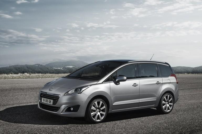 Peugeot5008-001