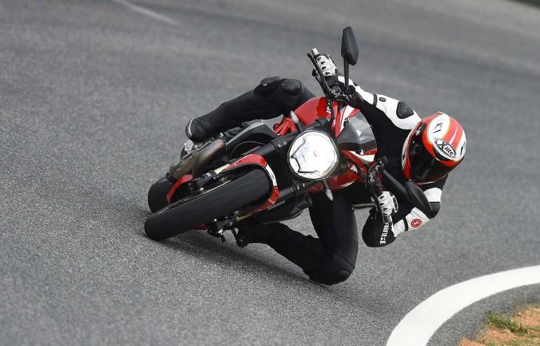 DucatiMonster1200R-002