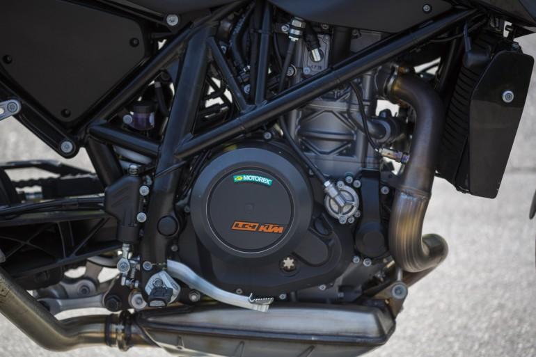 KTM 690 Duke 2016 - 9