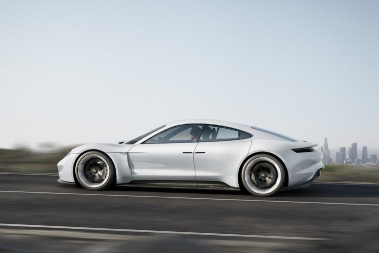 PorscheMissionE-002